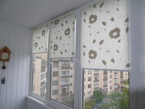 Установка рулонных штор на пластиковые окна в Твери